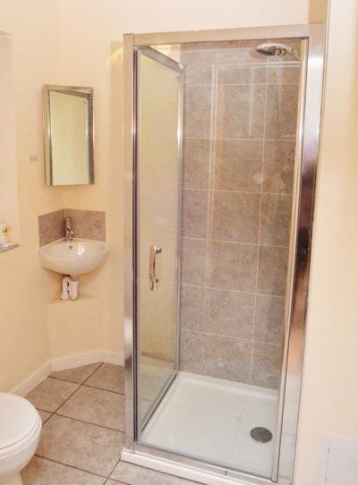 17--shower-dsc_9643