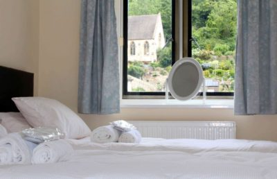All twin single beds are zip link convertible to super king size double beds. 100% cotton white linen