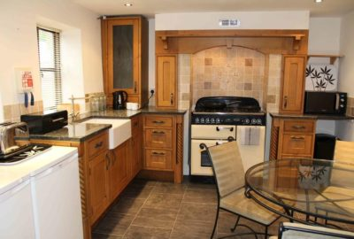 Sawmills Cottage - Fully equipped oak: granite kitchen:diner