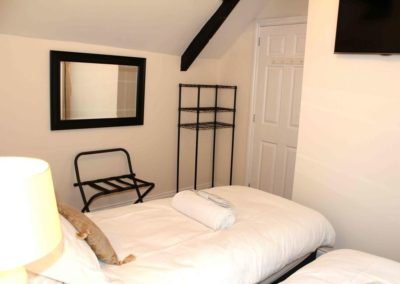 Sawmills Cottage Second Twin Room with TV
