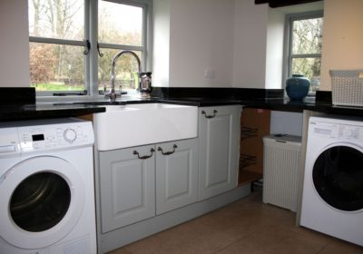 The retreat - separate utility room & cloakroom
