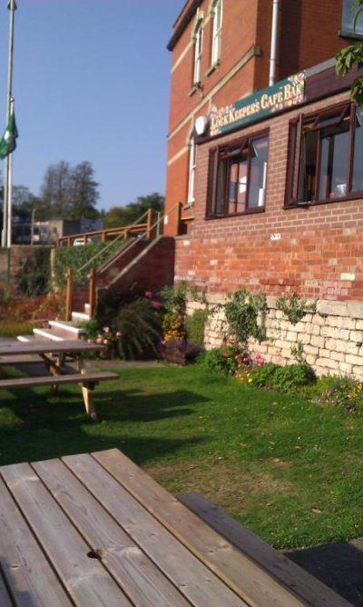 Bell House Lockside Garden & Cafe