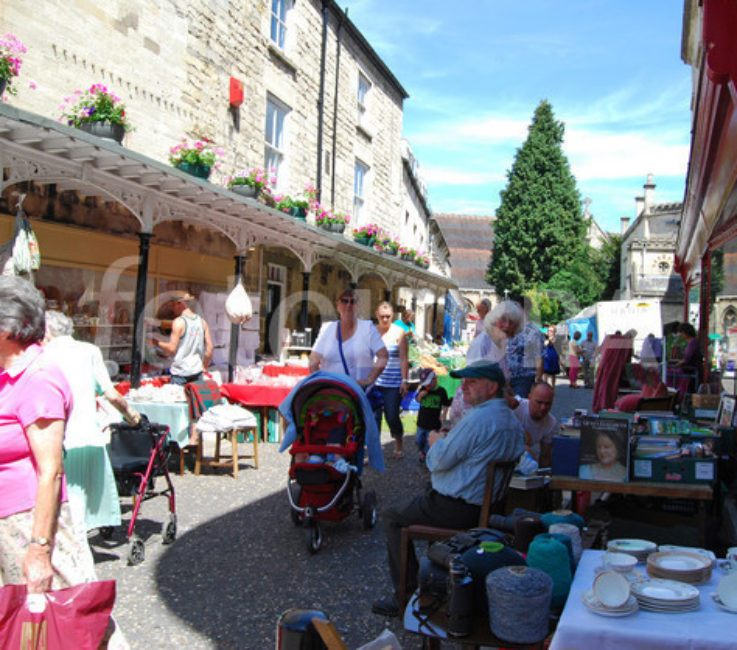 Stroud outdoor Market